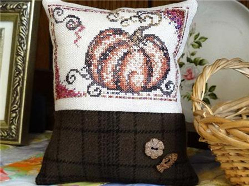 Autumn Pumpkin / Country Garden Stitchery