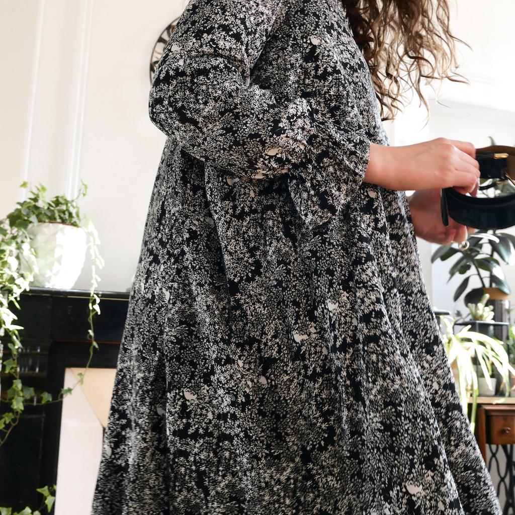 Mathilde mesure 1m73 et porte la robe en T40 +10cm manches longues - nalexprints Wild