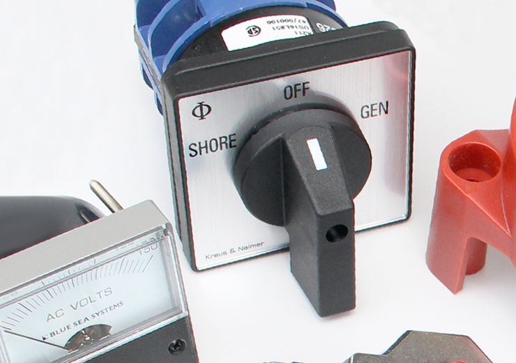 power-transfer-switch-with-other-electrical-parts.jpg