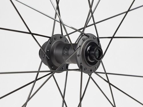 Bontrager Aeolus Elite 50 TLR Disc Road Wheel - Front