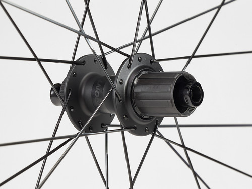 Bontrager Aeolus Elite 35 TLR Disc Road Wheel - Rear