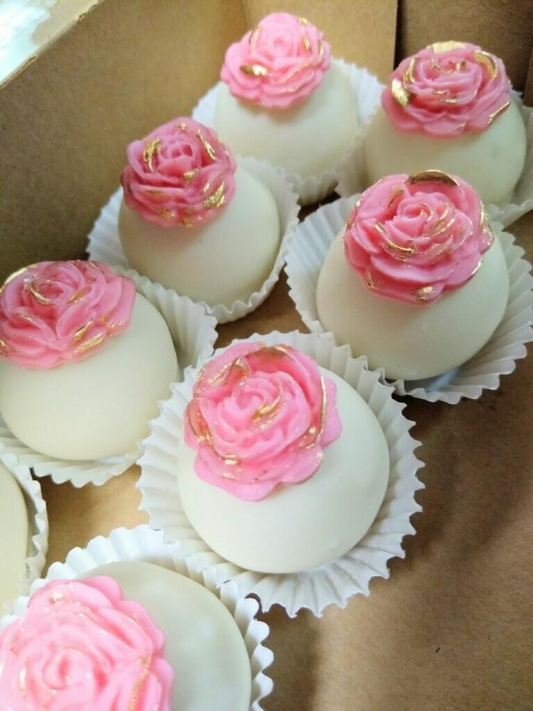 Mother's Day Cake Balls (1/2 dozen)