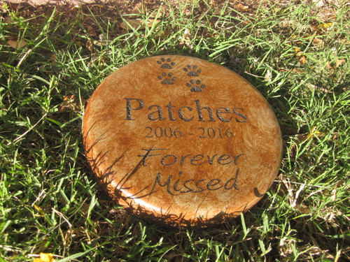"Personalized Engraved Pet Memorial  Stone 7.5"" Diameter 'Forever Missed'"