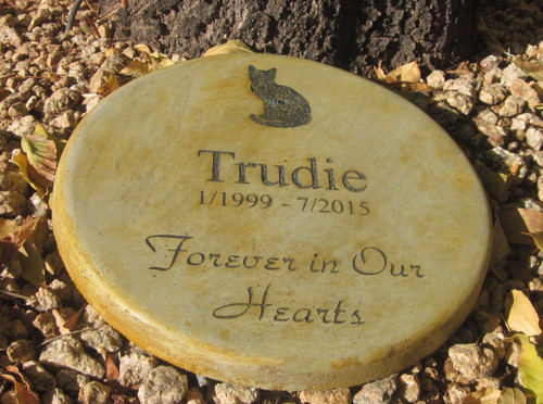 "Personalized Engraved Pet Memorial  Stone 11"" Diameter 'Forever in Our Hearts' Cat"