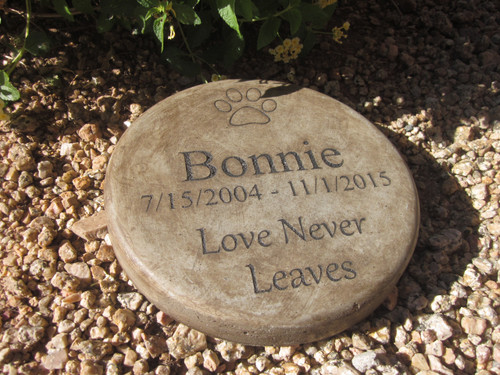 "Personalized Engraved Pet Memorial  Stone 7.5"" Diameter 'Love Never Leaves'"