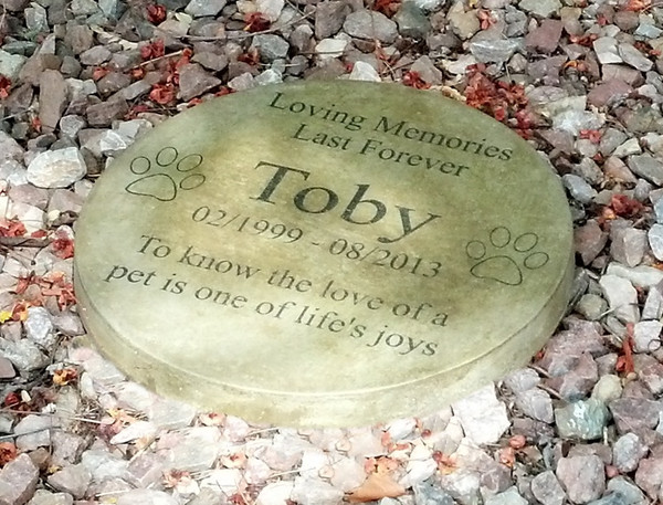 """Personalized Engraved Pet Memorial  Stone 13.5"""" Diameter 'Loving Memories"""