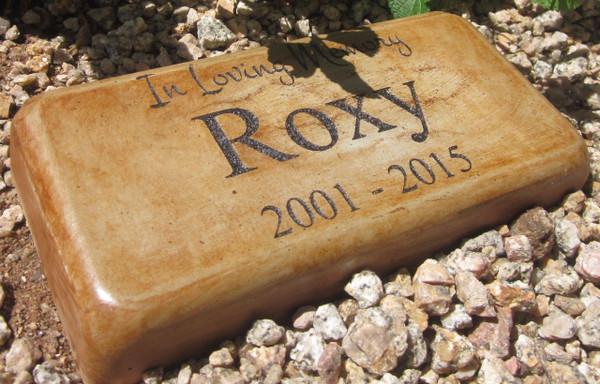 """Personalized Engraved Pet Memorial  Stone 8""""x4"""" Diameter 'In Loving Memory'"""