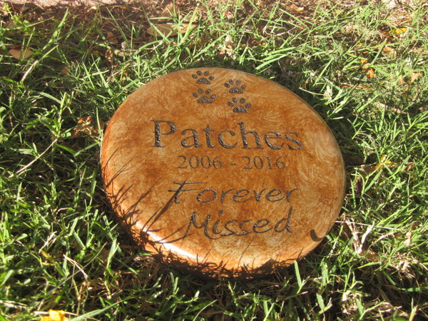 """Personalized Engraved Pet Memorial  Stone 7.5"""" Diameter 'Forever Missed'"""