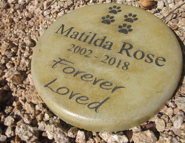 "Personalized Engraved Pet Memorial  Stone 7.5"" Diameter 'Forever Loved'"