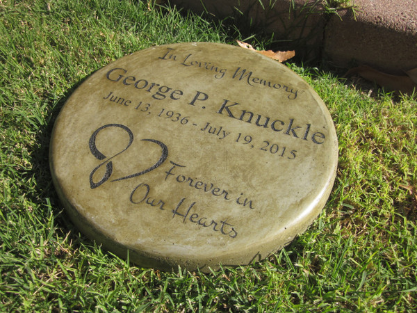 """Personalized Engraved Memorial Garden Stone 11"""" Diameter 'In Loving Memory Forever in Our Hearts'"""