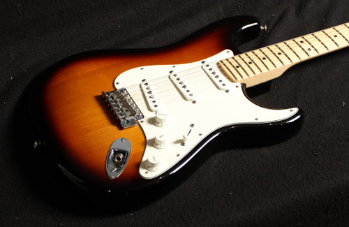 USED FENDER AMERICAN SPECIAL STRATOCASTER