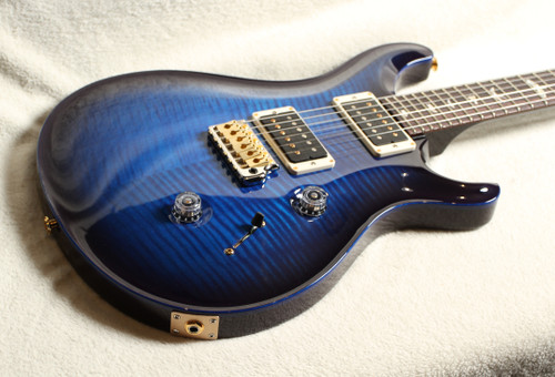 PRS CUSTOM 24 10 TOP SN 320287 BLUE WITH IRIDESCENT PURPLE BURST AND BACK