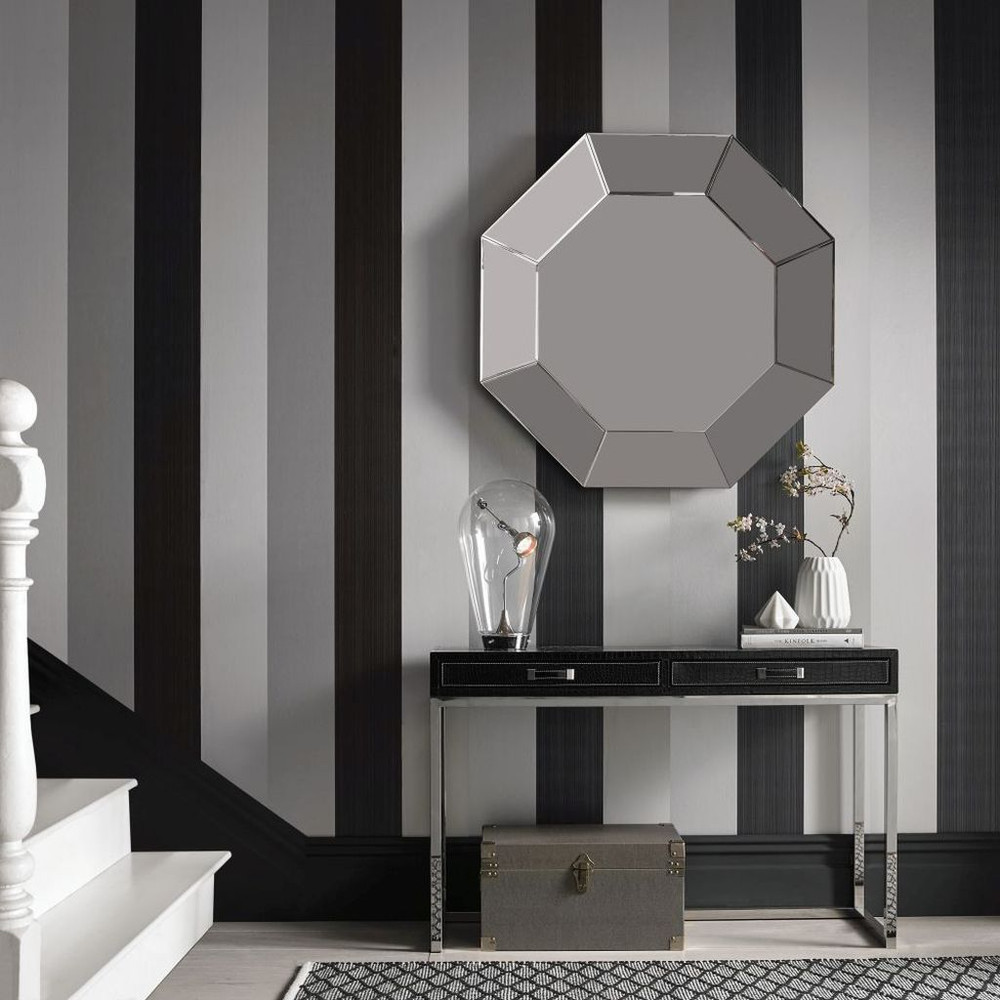 Figaro - Black Wallpaper