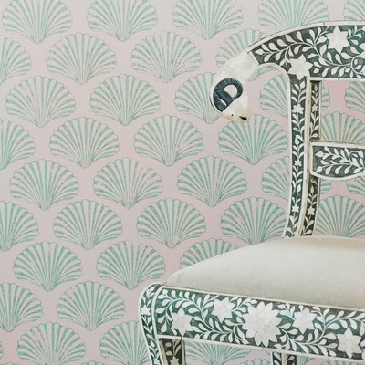Scallop Shell - Plaster Pink / Green