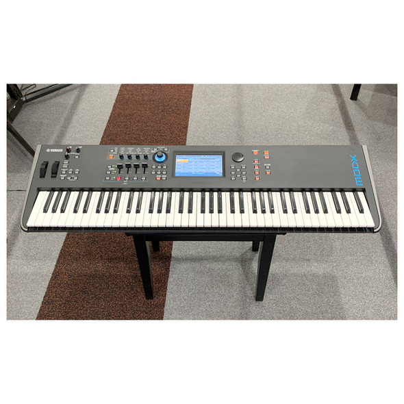 Yamaha MODX7 Synthesizer with SCMODX7 Carry Case (Pre-Owned)