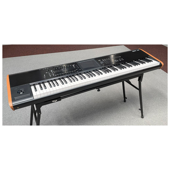 Korg Kronos 2 Music Workstation Synthesizer with 88 Note Keyboard (pre-owned)