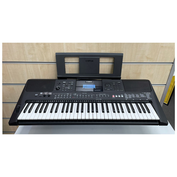 Yamaha PSR-E463 Portable Keyboard with 61 Keys (pre-owned)