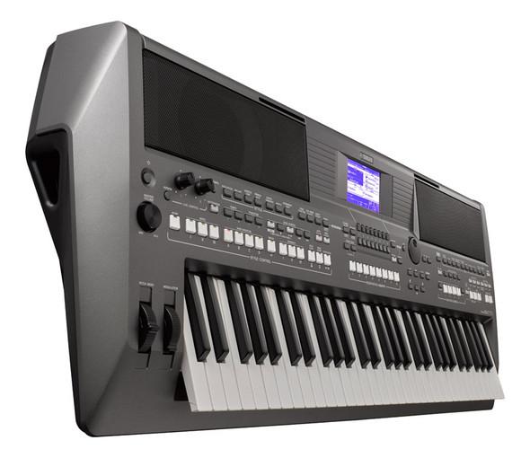 Yamaha PSR-S670 Arranger Keyboard
