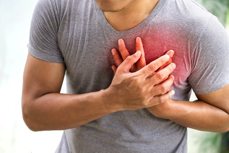 Are defibrillators used for heart attacks?