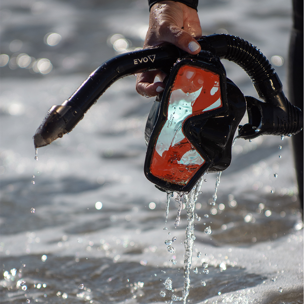 EVO Hi Definition Snorkel Combo - Single Lens Lifestyle at the Beach