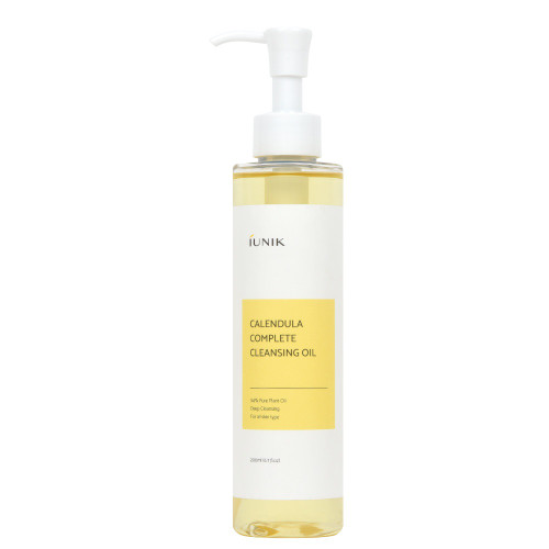 iUNIK Complete Calendula Cleansing Oil 200 mL: A mild cleansing oil that removes impurities and stubborn makeup.