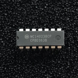 (PKG of 10) MC14023BCP Triple 3-Input NAND Logic Gate, CD4023, PDIP-14, ON Semi