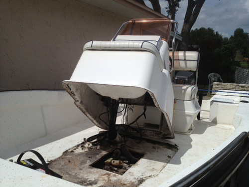 Cape Craft, Key Largo, Palm Beach, Clearwater fuel tank is under center console