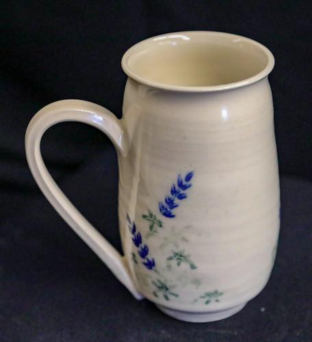 Mug w/blue flowers