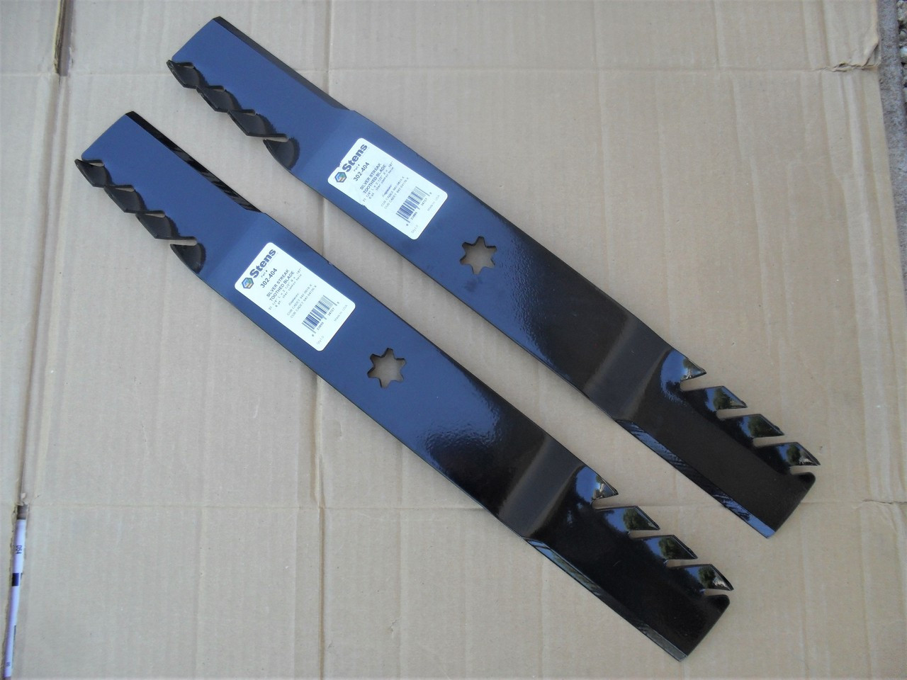"Mulching Blades for Toro LX420, LX423, LX425, LX426, LX427, 42"" Cut 1120315, 98022, 112-0315, Made In USA, Toothed mulcher"