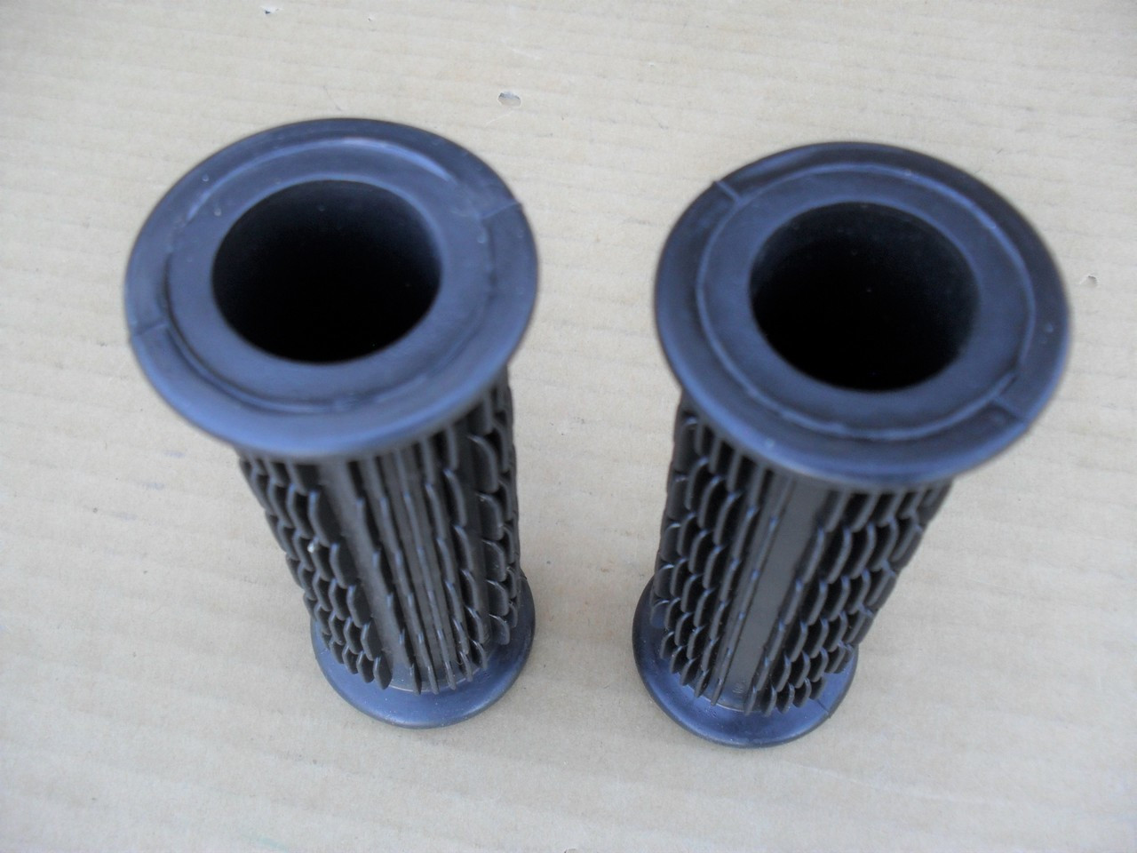 """Handle Bar Grips 7/8"""" Deluxe for Scag, Snapper, Mclane, Bobcat, Sensation 12031, 7012031, 7012031YP, 1-2031, Made In USA"""