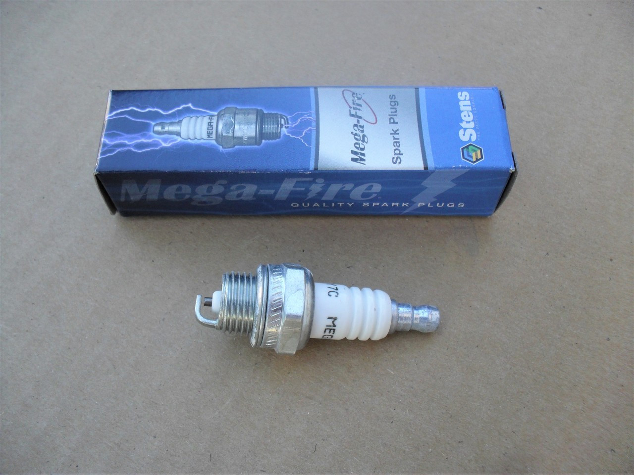 4 CHAMPION SPARK PLUGS CJ7Y