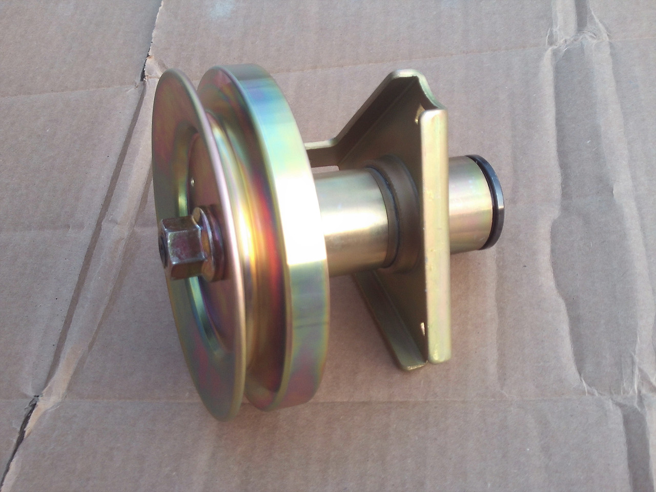 Deck Spindle for Scotts S1642, S1742, AM121324, AM126225, GY00038