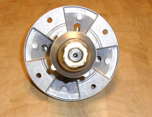 Deck Spindle for John Deere L100, L107, L108, L110, L120, L130 and GX20250, GY20050, GY20785
