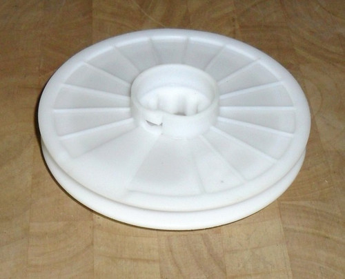 Briggs and Stratton 3.5 hp and 3.75 hp Plastic Starter Pulley 281336, 281336s