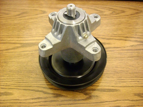 """Deck Spindle for MTD 42"""" Cut 618-0624, 918-0624"""