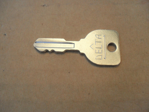 Delta Ignition Switch Key for Ariens, AYP, Craftsman, Husqvarna, John Deere, Kohler, MTD, Murray, Snapper, Toro 31-11218