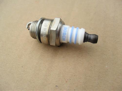 Spark Plug for Wacker 0033768, 0108117, Bosch