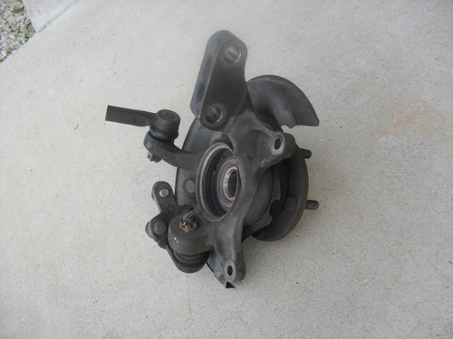 Toyota Camry Drivers Side Front Knuckle Assembly 2000 2.2 liter 4 cylinder