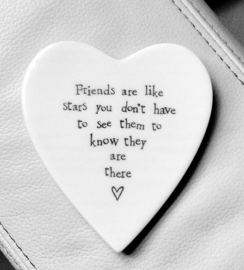 Porcelain round heart-Friends are like stars