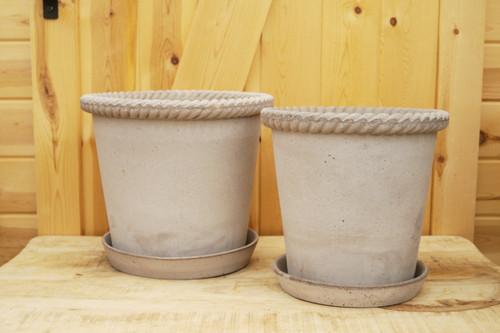 Bergs Emilia Pot w/Saucer in Grey