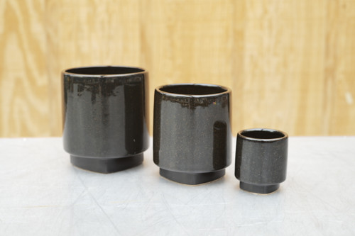 Croix Pot in Black