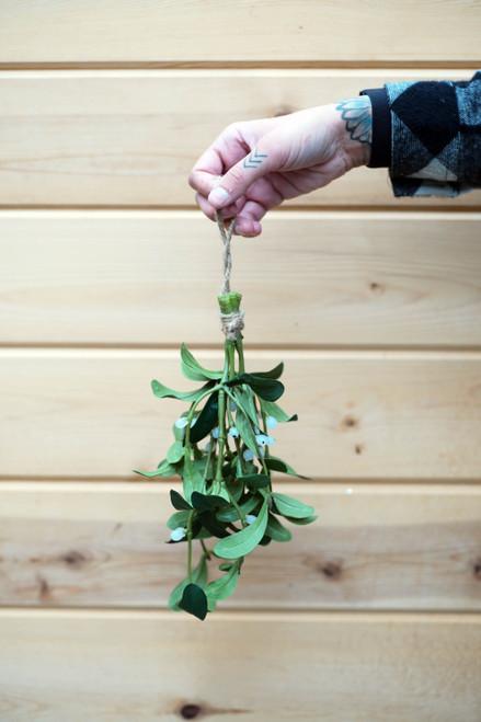 """1.5"""" Mistletoe Bundle (Faux)"""