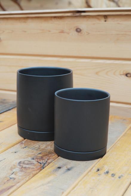Romey Pot in Black