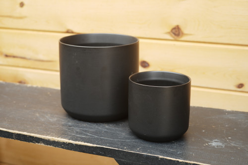 Kendall Pot in Black