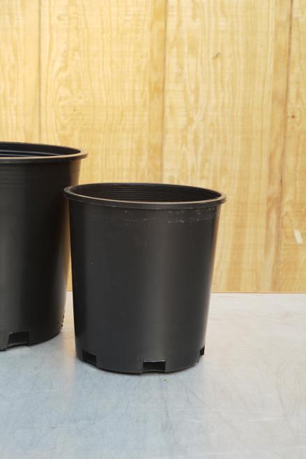 """9"""" Grower's Pot in Black"""
