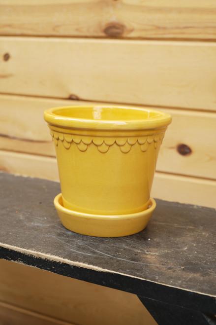 Bergs Medium Kobenhavner Pot w/Saucer in Yellow