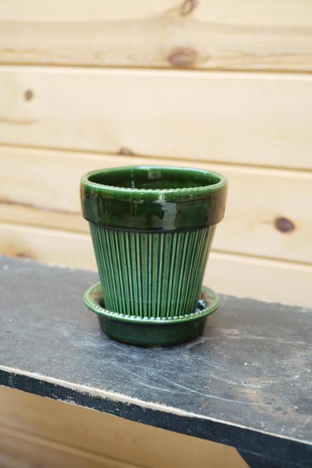 Bergs Medium Simona Pot w/Saucer in Green