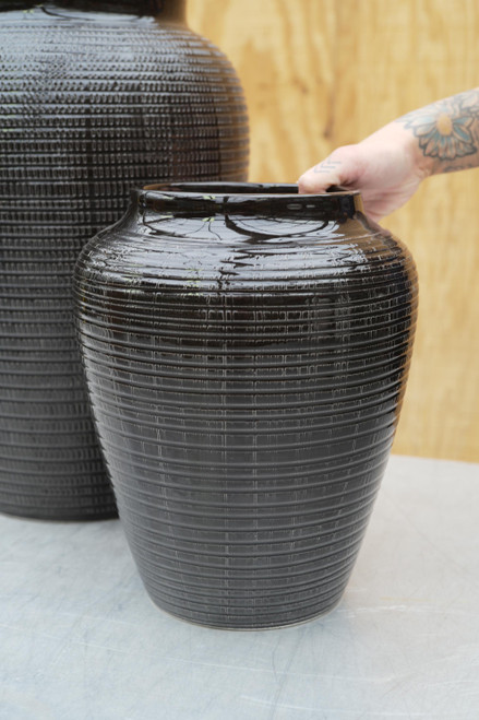 Bergs Small Willow Vase in Black