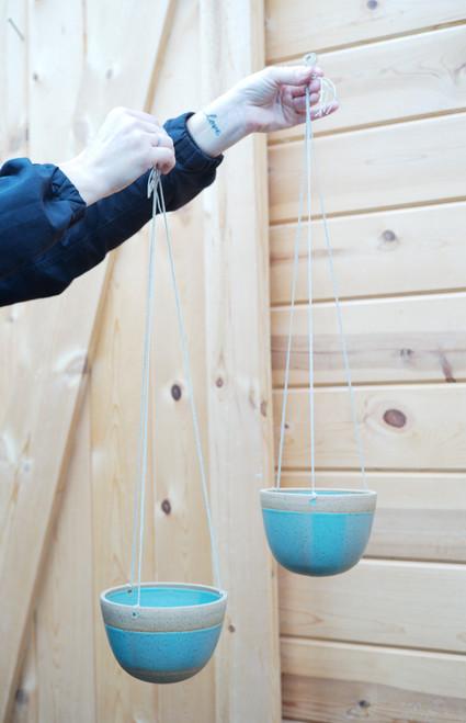 """5"""" Buttermilk Hanging Green Pot"""