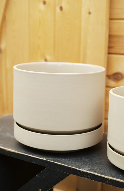 """10"""" Round Pot with Saucer in Oatmeal"""